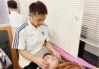 お顔の検査