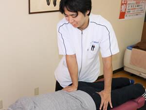 ぎっくり腰施術写真
